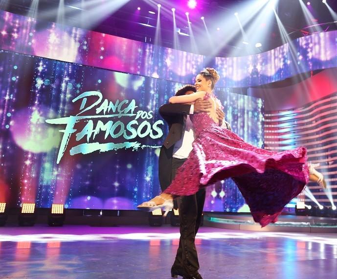 Mariana Santos impressionou com a perfeição da valsa! (Foto: Carol Caminha/Gshow)
