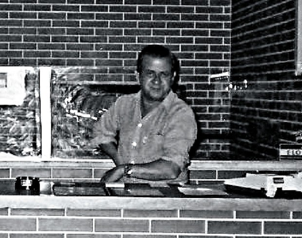 """Rubens Augusto (pai) viveu mais 13 anos depois do enfarte, com a """"barriga no balcão"""" da Patroni (Foto: Arquivo Pessoal)"""