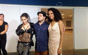 Anitta chega com figurino ousado ao Prêmio Multishow 2014