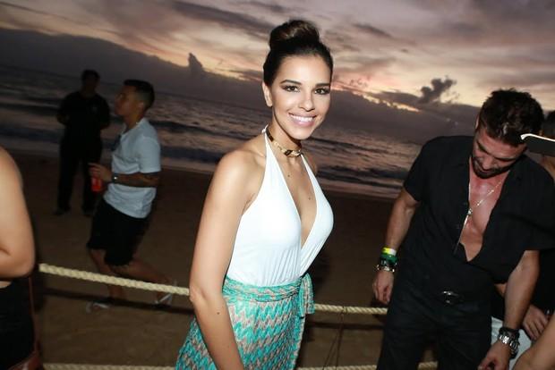 Mariana Rios em festa na Bahia (Foto: Dilson Silva/Agnews)