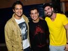 Jesus Luz, Raphael Viana e Maumau vão a aniversário de jogador