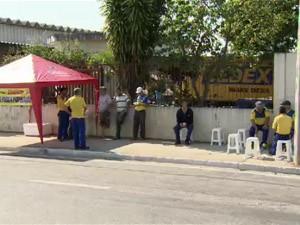 Trabalhadores dos Correios no Vale do Paraíba aderem à greve nacional (Foto: Reprodução/ TV Vanguarda)