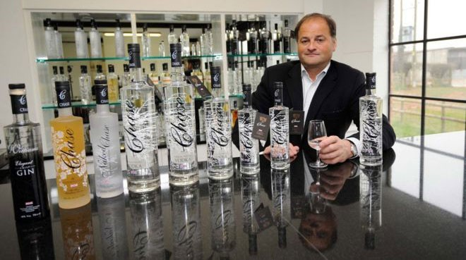 A vodka de William Chase agora é vendida no mundo todo  (Foto: BBC)