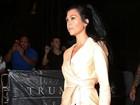 Kourtney Kardashian mostra demais em programa com as irmãs