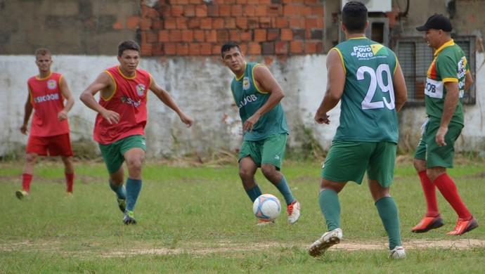 Galvez realiza treino coletivo e ténico planeja amistoso (Foto: Quésia Melo)