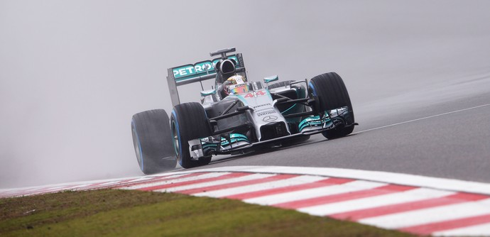 Lewis Hamilton no treino classificatório do GP da China de 2014 (Foto: Getty Images)