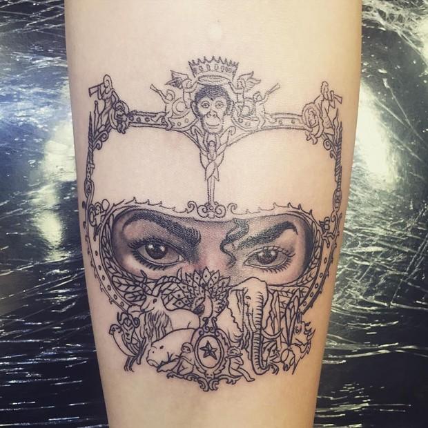 Paris Jackson mostra tatuagem (Foto: Instagram / Reprodução)