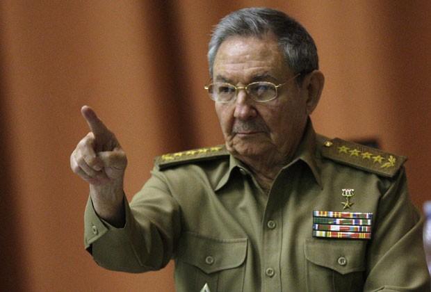 Raul Castro falou sobre as reformkas econômicas em Cuba durante reunião da Assembleia Nacional nesta quinta-feira (13) (Foto: Ismael Francisco/Cubadebate/Reuters)