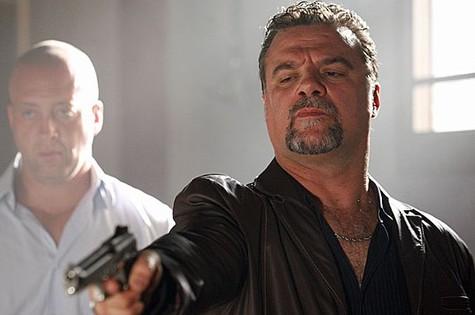 Adriano Garib em cena de 'Salve Jorge' como Russo (Foto: Divulgação/TV Globo)