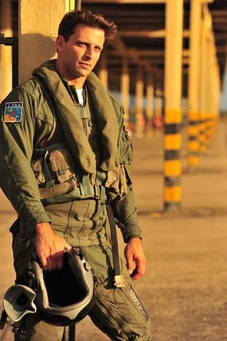 Henri Castelli será um piloto de caça  (Foto: João Miguel Júnior / Rede Globo)