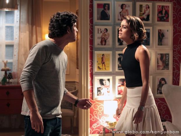 A it-girl tenta argumentar, em vão (Foto: Sangue Bom/TV Globo)