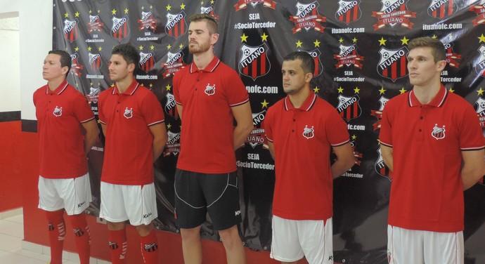 Peri, João Denoni, Wagner, Rubinho e Raul Prata foram apresentados no Galo (Foto: Guilherme Giavoni)