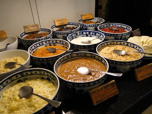 Culinária mineira é especialidade do restaurante Dona Lucinha.  (Foto: Michele Marie/ G1)