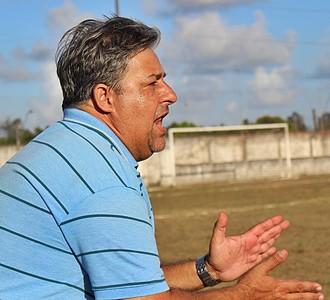 Hélio Miranda, técnico do Desportivo Aliança  (Foto: Divulgação / Facebook Desportivo Aliança)
