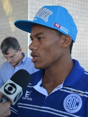 Robinho, atacante do Confiança (Foto: Felipe Martins/GLOBOESPORTE.COM)