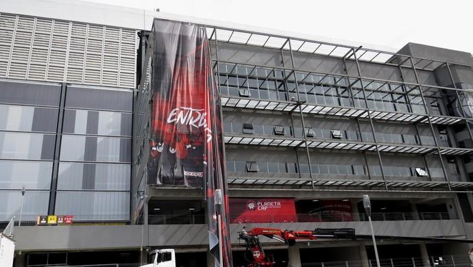 Banner; Arena da Baixada; Atlético-PR (Foto: Fernando Freire)