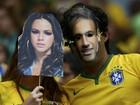 Torcedores se vestem de Neymar e Marquezine para torcer em estádio
