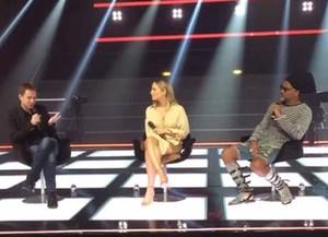 Tiago Leifert com Claudia Leitte e Carlinhos Brown (Foto: Reprodução/Internet)