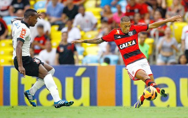 Paulinho jogo Flamengo x Corinthians (Foto: Pedro Kirilos / Agência O Globo)