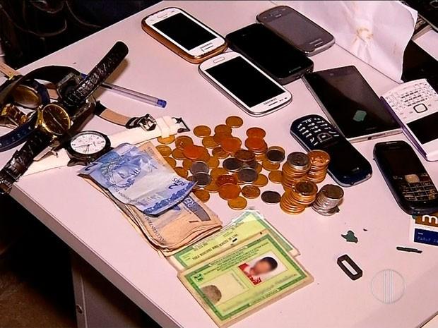 Polícia encontrou material roubado com os suspeitos no município de Parnamirim, RN (Foto: Reprodução/Inter TV Cabugi)