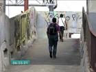Moradores fazem abaixo-assinado por revitalização de passarela em SP