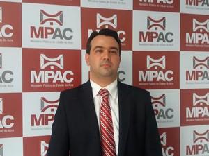Promotor do Ministério Pública, Marco Aurélio pediu explicações ao Operador Nacional do Sistema (Foto: Yuri Marcel/G1)