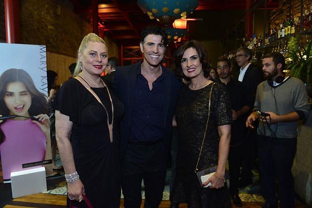 Vera Fischer, Reynaldo Gianecchi e Fátima Bernardes no Prêmio QUEM 2014 (Foto: Fábio Cordeiro/ QUEM)