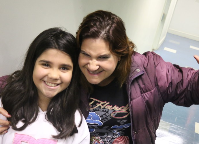 Maria Elenita Brizola e a sobrinha Raíssa vão participar da seletiva do Tem Gente Atrás do Domingão do Faustão  (Foto: Lisiane Lisboa / RBS TV)