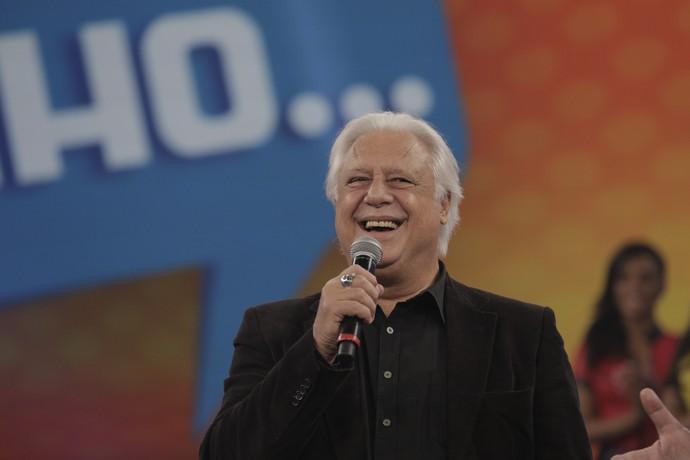Fagundes se divertiu com as perguntas e declarou ser 'cheirosinho' (Foto: Inácio Moraes/Gshow)