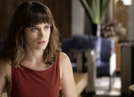 Clara volta para Palmas e ouve conselho de Patrick