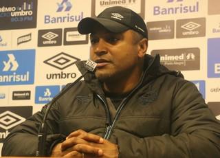 Roger, técnico do Grêmio (Foto: Eduardo Deconto)