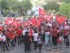 Manifestação de apoio ao governo Dilma é realizada em Teresina