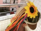 Laura Keller filosofa no carnaval, mas decote chama mais a atenção