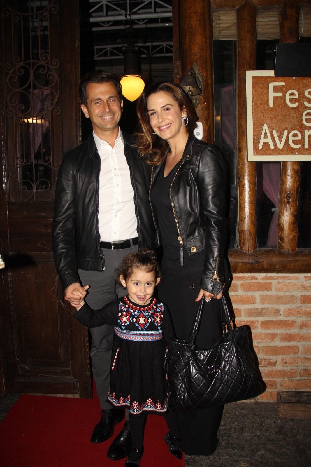 Guilhermina Guinle com o marido e a filha (Foto: AgNews)