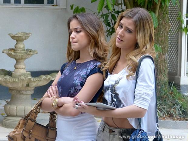 Sofia e Flaviana ficam em dúvida se a garota tem jeito...Será? (Foto: Malhação / TV Globo)