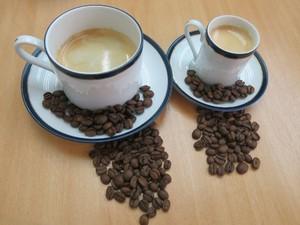 Moer os grãos do café antes do preparo é um dos segredos no sabor (Foto: Anna Gabriela Ribeiro / G1)