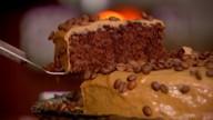 Veja como fazer um bolo com gostinho do café