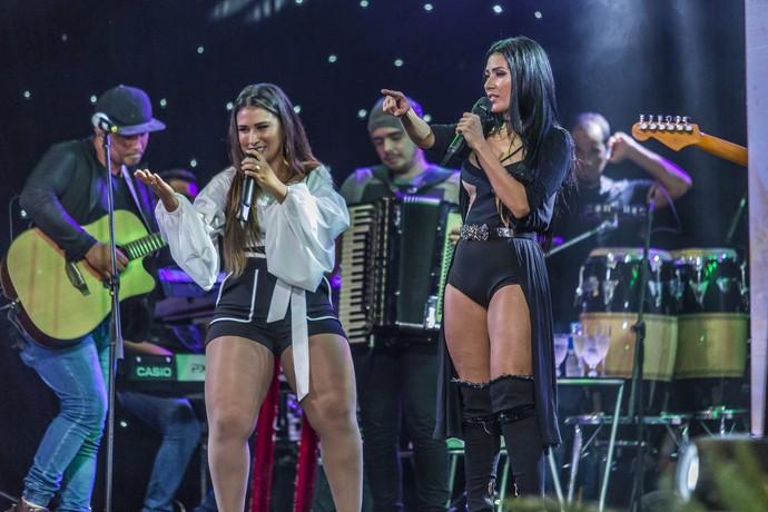 A duplça Simone e Simaria animou a festa com muitos sucessos (Foto: Artur Meninea/Gshow)