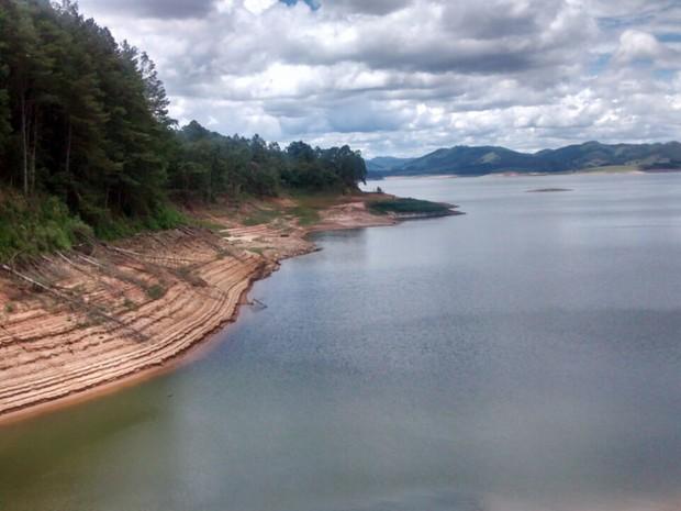 Represa Ponte Nova, em Salesópolis (Foto: Maiara Barbosa / G1)