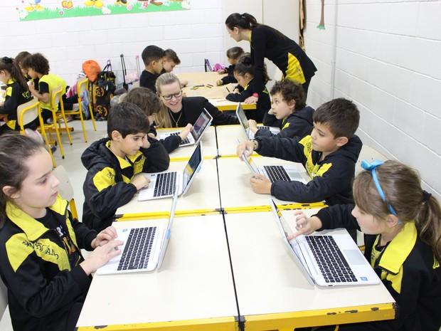 Alunos de um colégio em Curitiba aprovaram o novo modelo de ensino  (Foto: Divulgação/Colégio Santo Anjo )