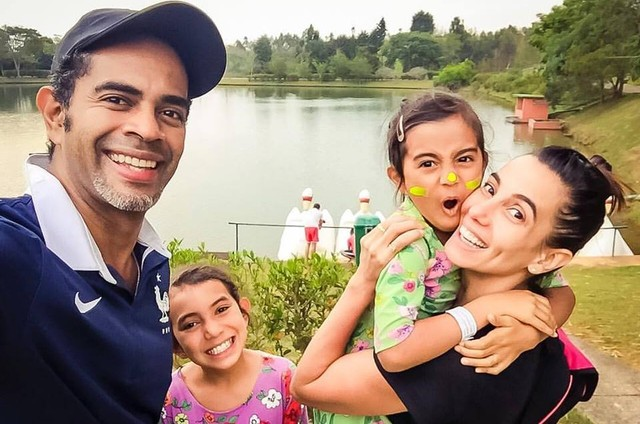Tania Khalill, Jair Rodrigues e suas filhas (Foto: Reprodução / Facebook)