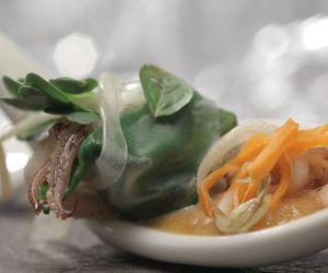 Rolinho de porco, camarão e lula