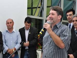 Larguesa em discurso na Câmara de Santa Bárbara (Foto: Divulgação/Câmara de Santa Bárbara)