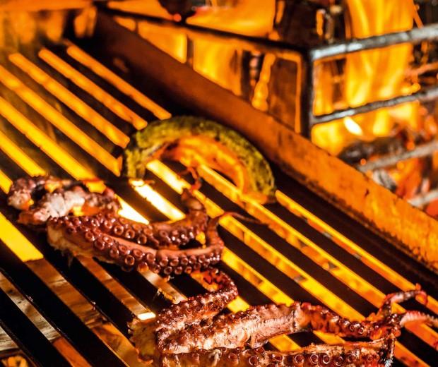 São Paulo, 02 de julho de 2016Polvo na grelha do Restaurante Cozinha 212, na Rua dos Pinheiros em Pinheiros - São PauloRevista GQGlobo Condé Nast (Foto: Bruno Geraldi)