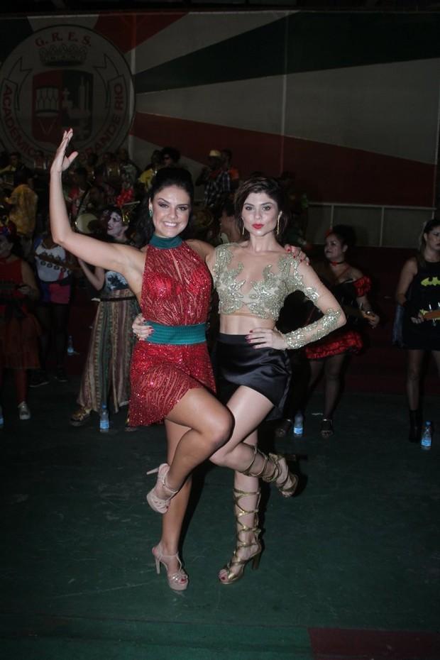 Paloma Bernardi e Julianne Trevisol  (Foto: Rodrigo dos Anjos / Ag News)
