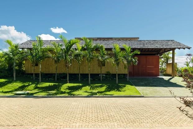 Casa de férias em Trancoso. Projeto da arquiteta Claudia Haguiara       (Foto: Christian Maldonado / Editora Globo)
