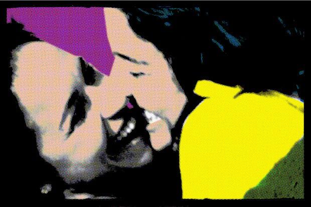 SOMOS UM CASAL Daniela e Malu, em foto publicada na rede social Instagram. As declarações da cantora Joelma e a polêmica sobre o deputado Marco Feliciano inspiraram  o gesto de ambas (Foto: Reprodução/Instagram)