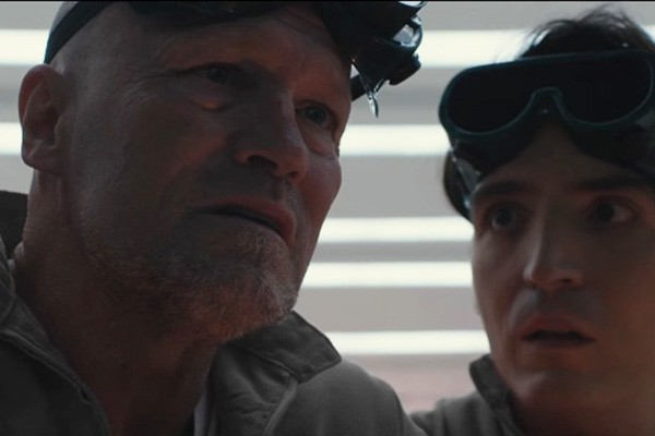 Michael Rooker em 'The Belko Experiment' (Foto: Reprodução Youtube)