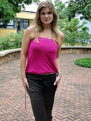 Cristiana Oliveira exibe silhueta fininha (Foto: Vídeo Show/TV Globo)