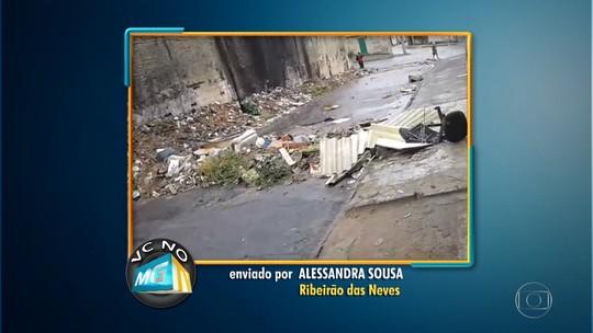 Telespectadora denuncia acúmulo de lixo em rua de Ribeirão das Neves